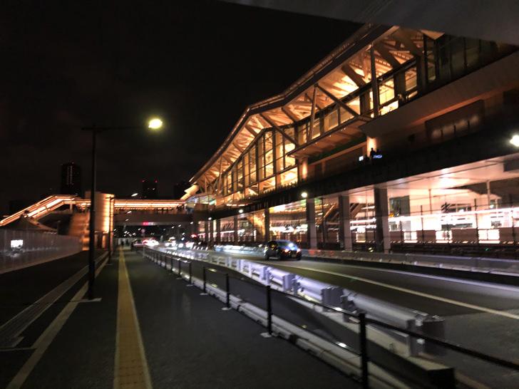 開業日朝4時の高輪ゲートウェイ駅